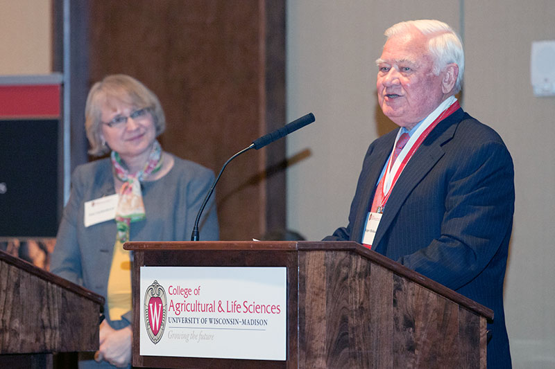 Roger Blobaum accepting CALS award 2013